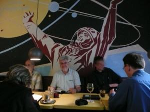 Der Autor, in der Gagarin Bar in Prenzlauer Berg