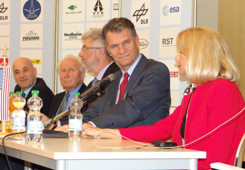 Von links: Volker Schmid, Sigmund Jähn, Paolo Nespoli und Barbara Zelon