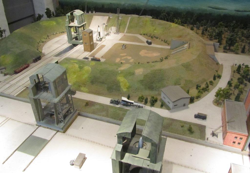 Modell des Prüfstandes VII im Museum im Kraftwerksbau von Peenemünde.