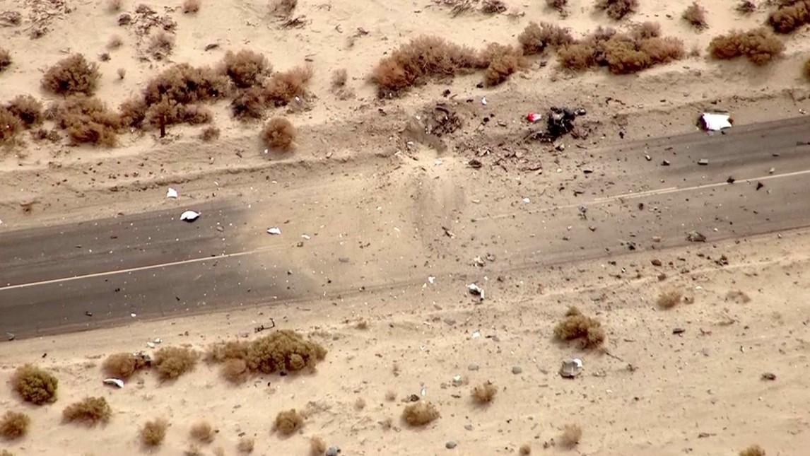 Einige Teile des SpaceShip2 schlugen in dieser Straße ein.
