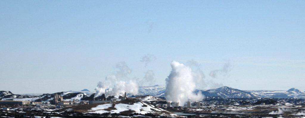 Erdwärmekraftwerke auf Reykjanes (CC-BY-SA Karl Urban)