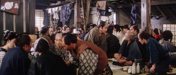 Filmbild: ein historisches japanisches Gasthaus für einfache Leute