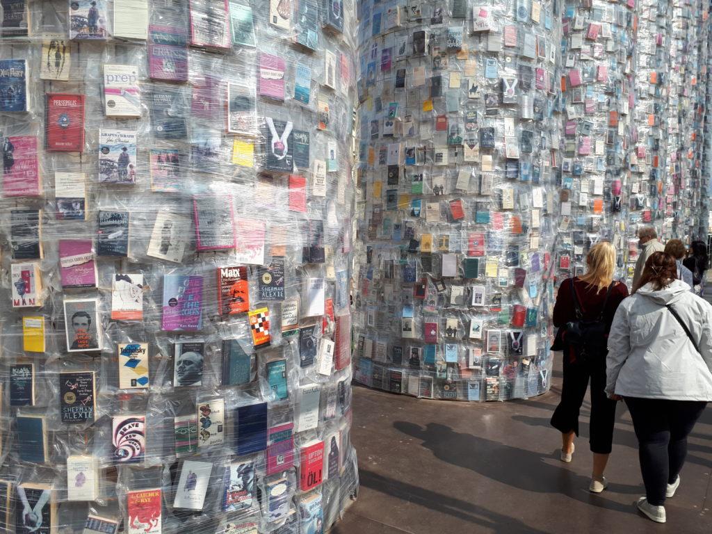 Marta Minujín, Parthenon of books, documenta 14
