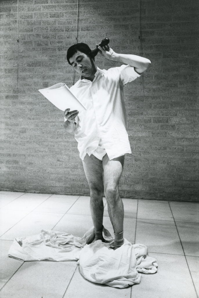 Fritz Schwegler mit Bilderlese-Darstellung, Galerie Schmela 1974