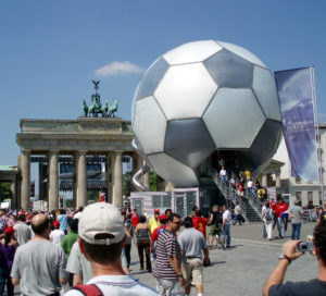 brandenberg_gate_during_the_world_cup_2