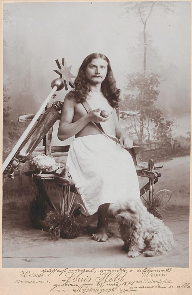 Gustav Nagel in Weimar, 1901, Foto von Louis Held. Auch der Verkauf von Postkarten war für den Jesusapostel Giústav Nagel eine lukrative Einnahmequelle.