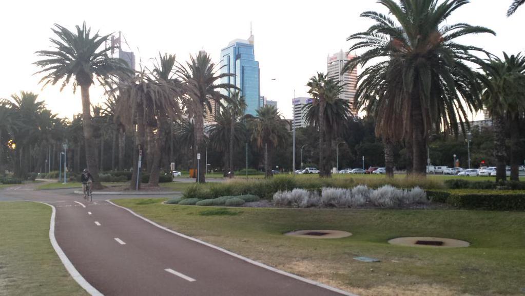 Die Innenstadt von Perth, von der Uferpromenade gesehen. Bild: Lars Fischer, CC BY-SA 2.0