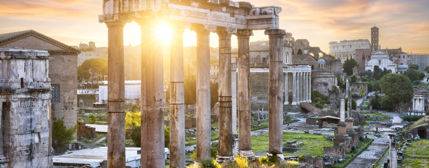 Forum Romanum mit aufgehender Sonne. Bild: fotolia / LAFORET Aurélien