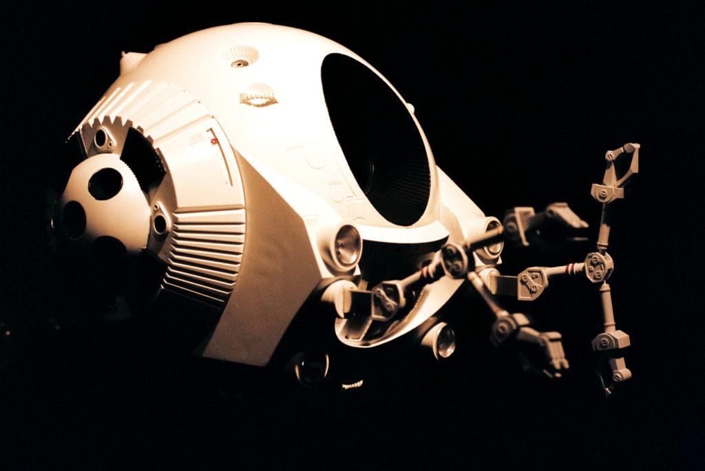 Kubrick's 2001: 50 Years A Space Odyssey. Modell in großem maßstab einer der drei EVA-Kapseln auf der Disc overy One. Deutsches Filmmuseum, Frankfurt am Main