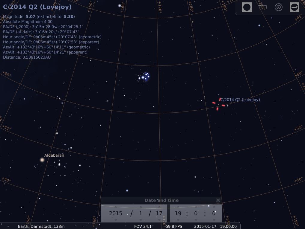 Die Hyaden (Mel 25) im Stier, Aldebaran, die Plejaden (M 45) und Komet C/2014 Q2 (Lovejoy) am frühen Abend des 17.1, hier simuliert für Darmstadt um 19:00 GMT (20:00 MEZ)