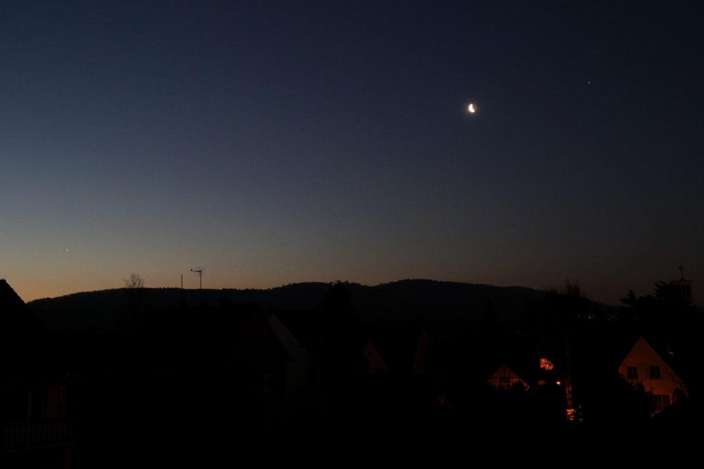 Venus, Saturn, abnehmender Mond und Jupiter am Morgen des 28.2.2019, ca. 06:00 MEZ, Canon EOS6D, Leica Summicron-R 35 mm