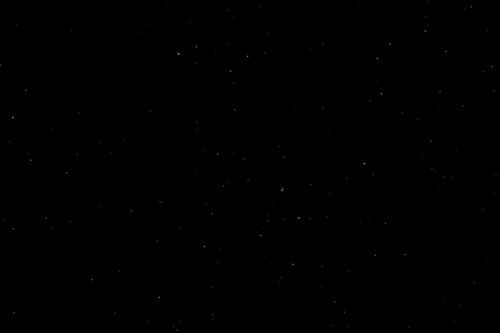 Komet C/2014 Q2 (Lovejoy) und Alamak (Gamma And) am 5.2.2015 um 22:41 MEZ, Canon EOS 600D, Leica Elmarit 135 mm, f/2.8, ISO 6400, 4 Sekunden