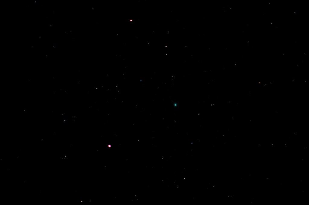 Komet C/2014 Q2 (Lovejoy) durchquert Andromeda, 6. Februar 2015, 22:36 MEZ, Canon EOS 600D, Leica Vario-Elmar, 210 mm, f/4, ISO 6400, 3.2 Sekunden