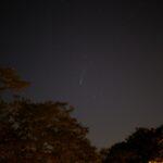 Komet C/2020 F3 (NEOWISE) am Abend des 19 Juli 2020 um ca. 22:20 MESZ über Darmstadt. Canon EOS6D mit Leitz Summicron-R 50mm, ISO 3200, f/2.0, 0.8s