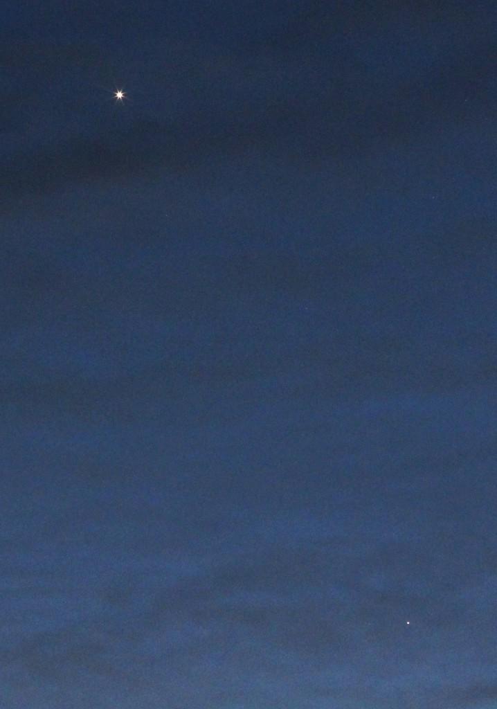 Venus, Uranus und Mars am 5.3.2015, 19:02 MEZ, Canon EOS600D, Leica Summicron 90, f/8, ISO 3200, 1 Sekunde