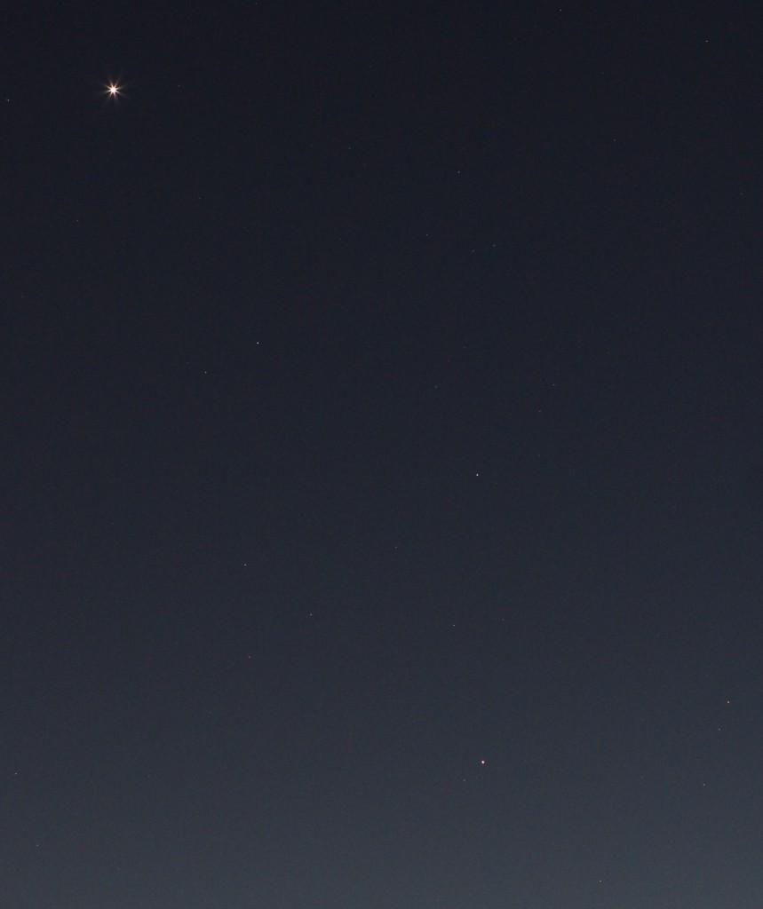 Venus, Uranus und Mars in den Fischen am 11.3.2015, 19:27 MEZ, Canon EOS 600D, Leica Summicron 90, ISO 1600, f/4, 1 Sekunde
