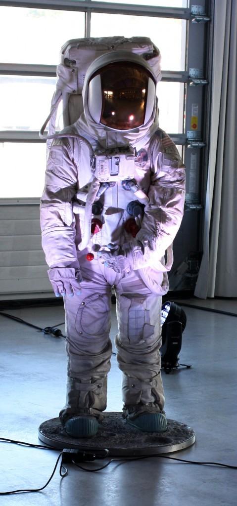 Aldrins Raumanzug. Ist es wirklich seiner oder nur eine Replika? Ich fand keinen Offiziellen, den ich danach fragen konnte.