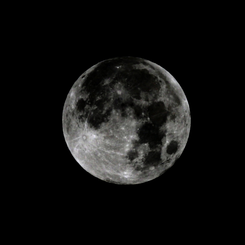 Vollmond am 19.10.2013, 3:49 MESZ. Teleskop: TSED503, 330 mm Brennweite, 50 mm Apertur, ED-Apochromat, Kamera Canon EOS 1000D ISO 100, 1/1250 s