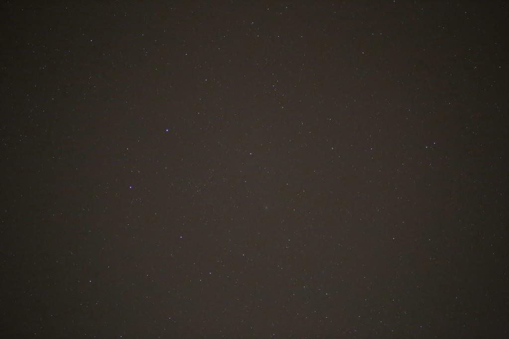 Komet C/2014 Q2 immer noch in der Cassiopeia, 18. April 2015, 22:33 MESZ, canon EOS 6D, Leica Elmarit 180, f/2.8, ISO 10,000, 1 Sekunde