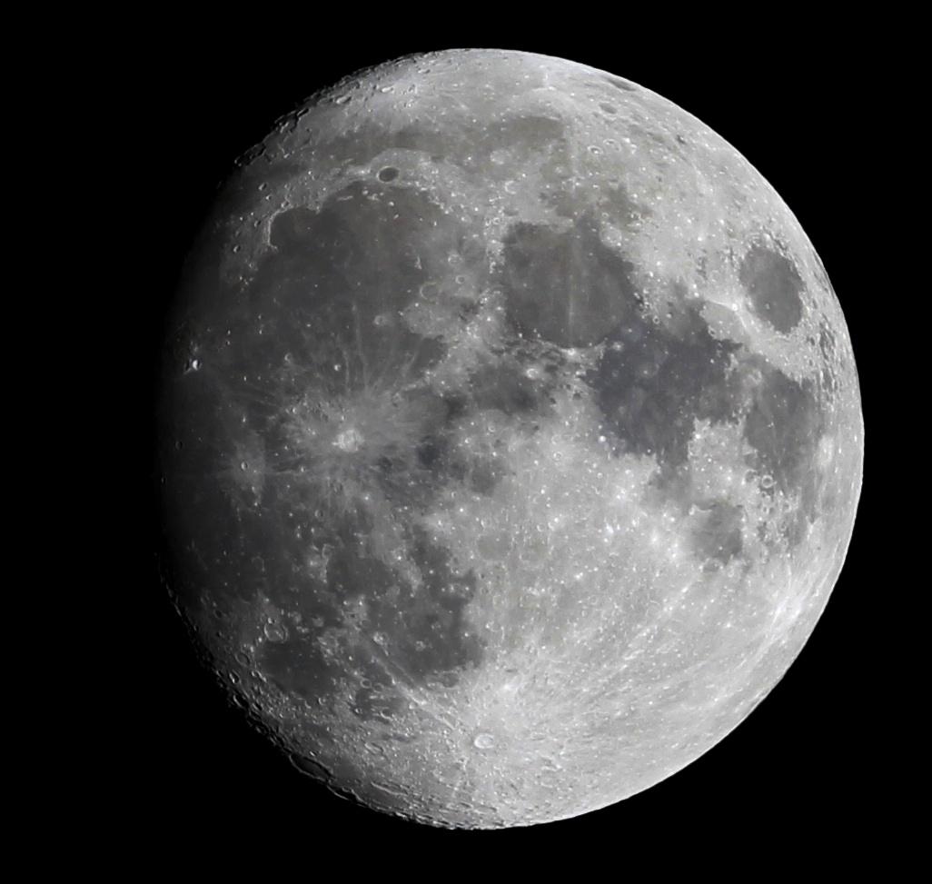 Der Mond über Darmstadt am 13.3.2014, 23:08 MEZ. 65/420 Aprochromat, Canon EOS 600D, ISO 100, 1/125 s