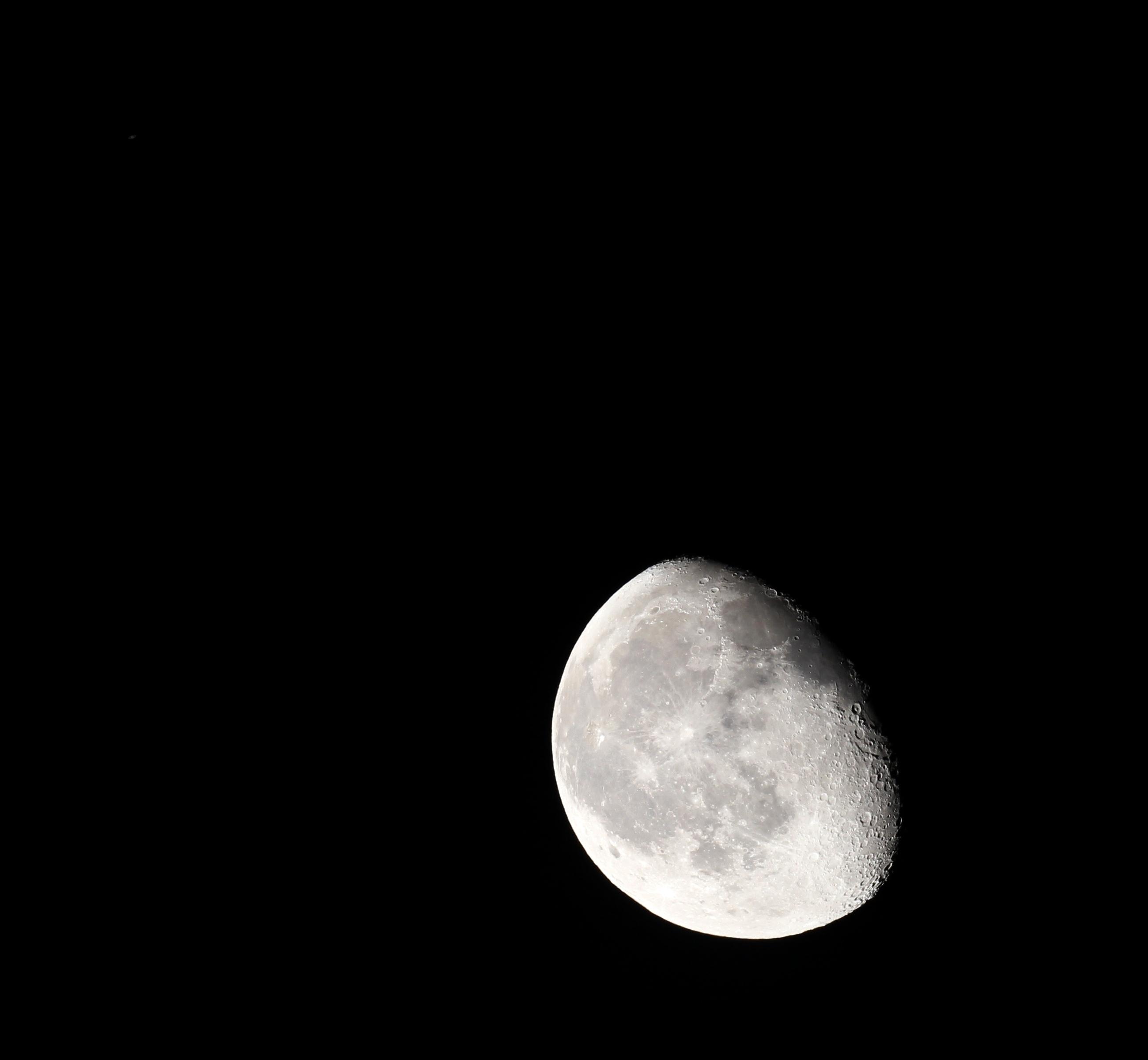 Mond-Saturn-Konjunktion am 21.3.2014, 3:07 MEZ, 64/420 Apochromat, Canon EOS 600D, ISO 200, 1/80 s