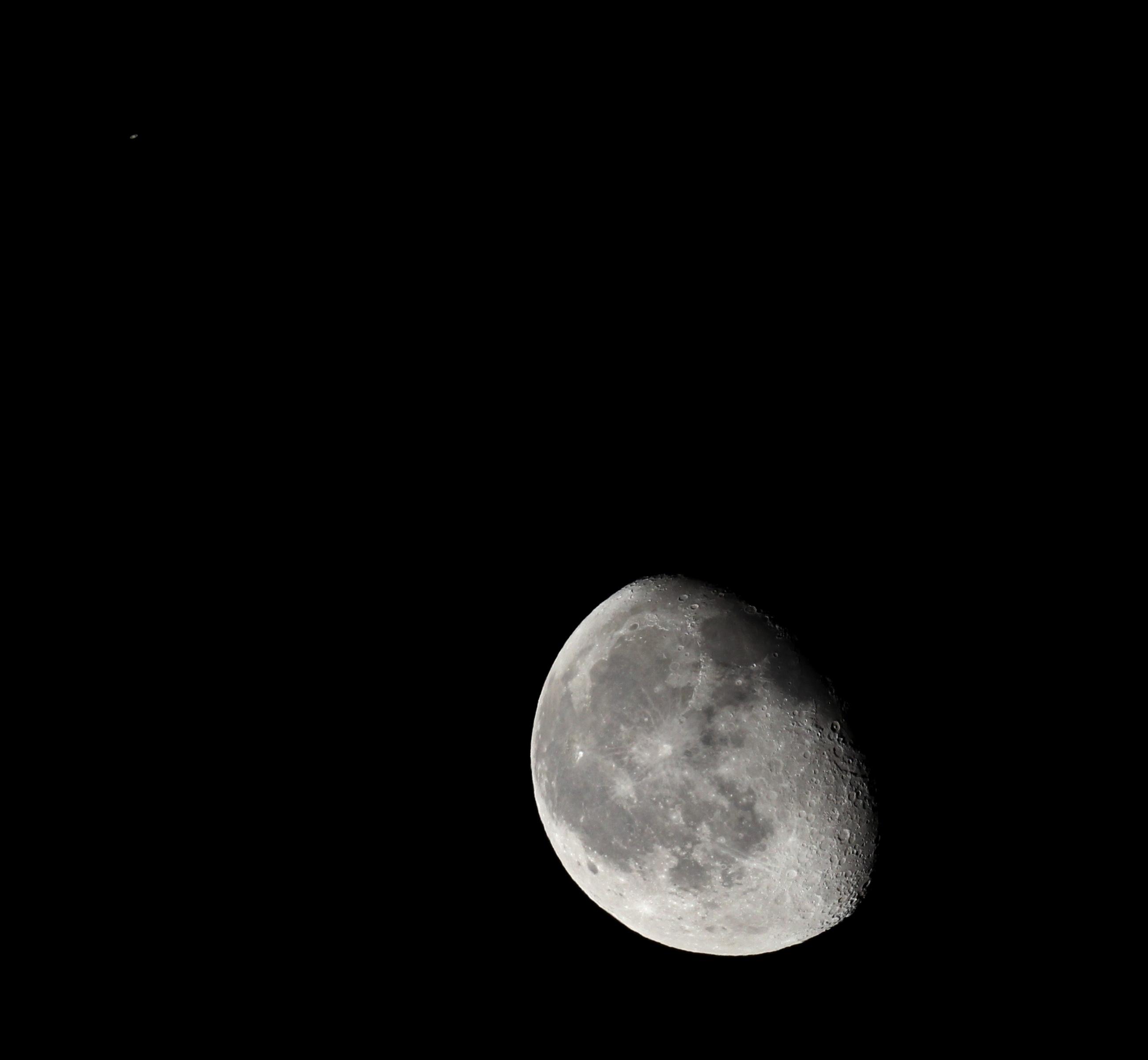 Mond-Saturn-Konjunktion am 21.3.2014, 3:07 MEZ, 65/420 Apochromat, Canon EOS 600D, Kompositaufnahme: ISO 400, 1/80 s und ISO 499, 1/320 s