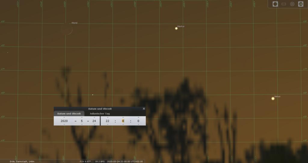 Die dünne zunehmende Mondsichel, Merkur und Venus am Abend des 24.5.2020, hier simuliert für Darmstadt um 22:00 MESZ