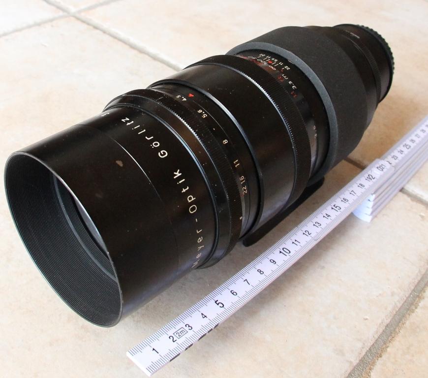Telemegor 300 f4.5 von Meyer Optik Görlitz, Gesamtansicht mit Pentacon-Six-auf-Canon-EOS-Adapter