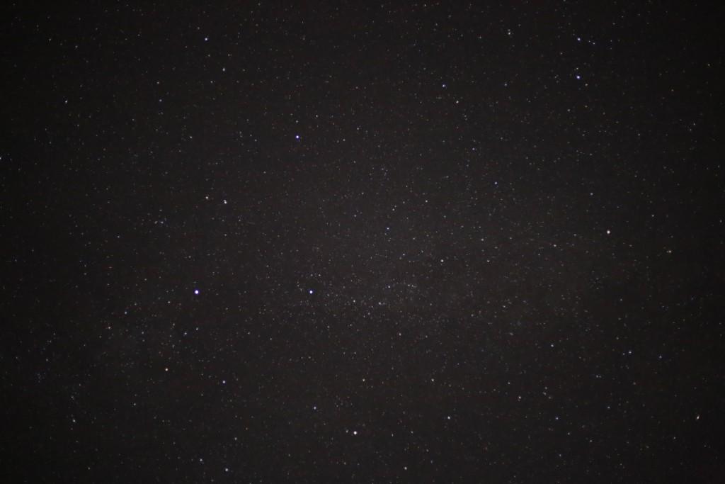 Der Schwan vor der Milchstraße, 11.7.2015, ca 00:30 MESZ, Canon EOS 6D, LÖeica Summicron 35, f/2, ISO 12800, 1 Sekunde
