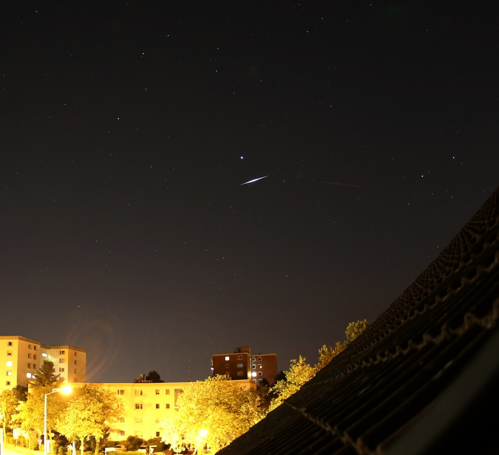 Flare von Iridium 14 am 15. Mai 2015 um 23:24:18 MESZ. Canon EOS 6D, Sigma EX DG 15 mm, f/2.8, ISO 640, 13 Sekunden