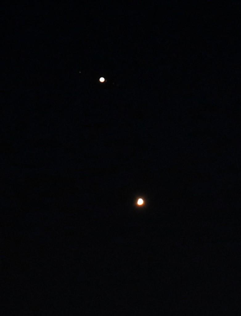 Ganymed, Jupiter, Io, Europa, Callisto und Venus am 30.6.2015 um 22:41 MESZ, TS-Optics TSAPO65Q 420/65 Quadruplet Apochromat, Canon EOS6D, ISO 2000, 1/13 s