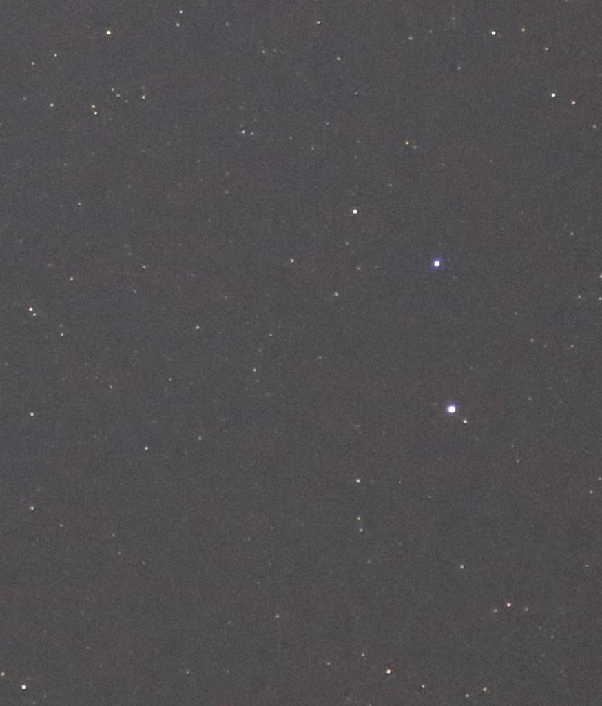 In dieser Ecke des Sternbilds Schütze verbirgt sich Pluto, Canon EOS 6D, Leica Elmarit 180, f/2.8, ISO 16000, 1 Sekunde