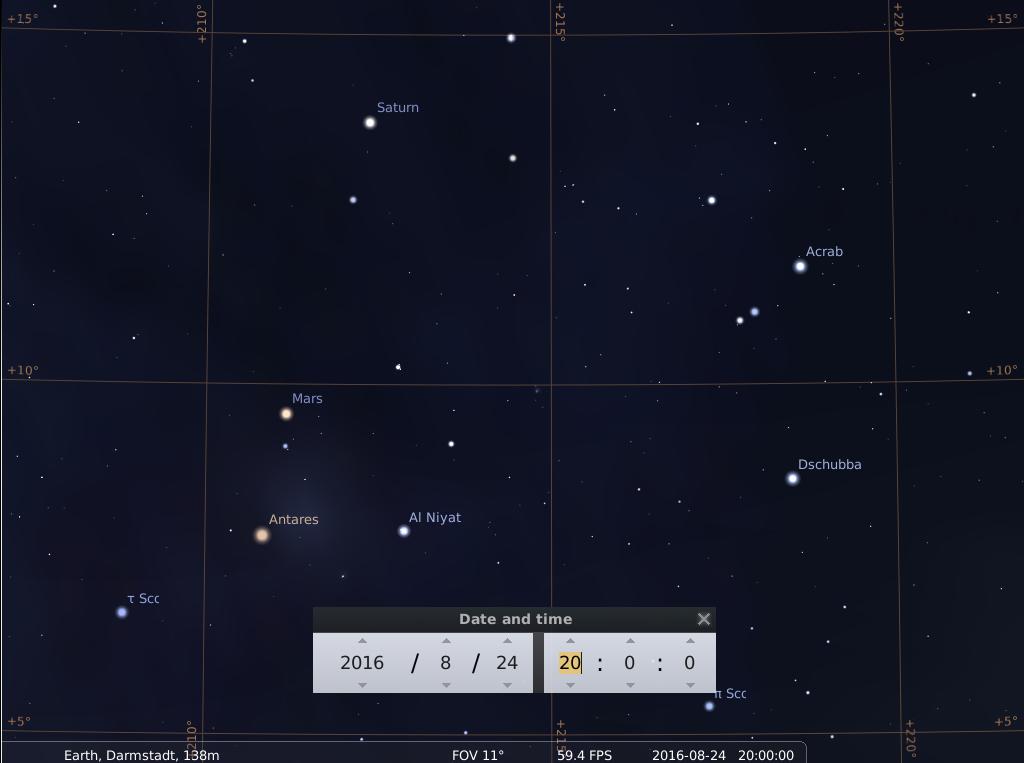 Aufreihung von Saturn, Mars und Gegenmars (Antares) am Abend des 24.8.2016, simuliert für Darmstadt um 20:00 UTC (22:00 MESZ)