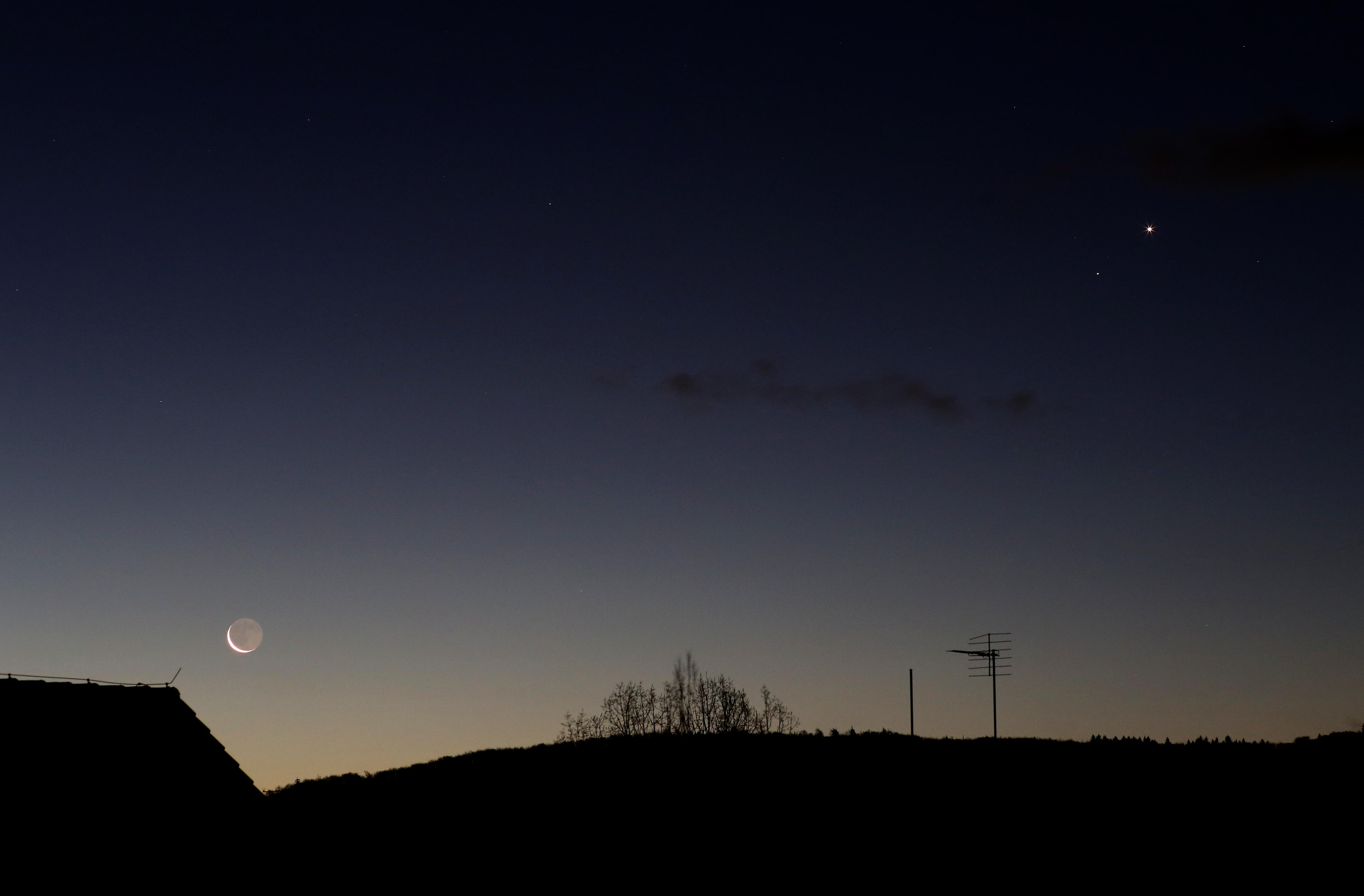 Mond, Saturn und Venus am Morgen des 8.1.2016
