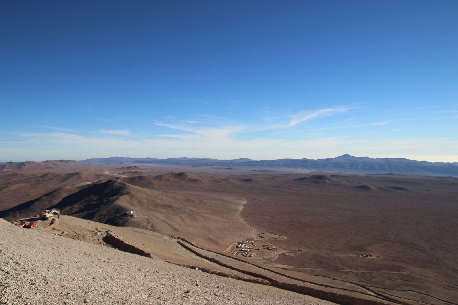 Blick vom Gipfel auf die Atacamawüste