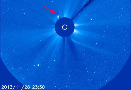 Es sieht aus wie ein Komet... aber ist es auch noch einer? ISON's Überrest vier Stunden nach dem Perihel. ESA/NASA