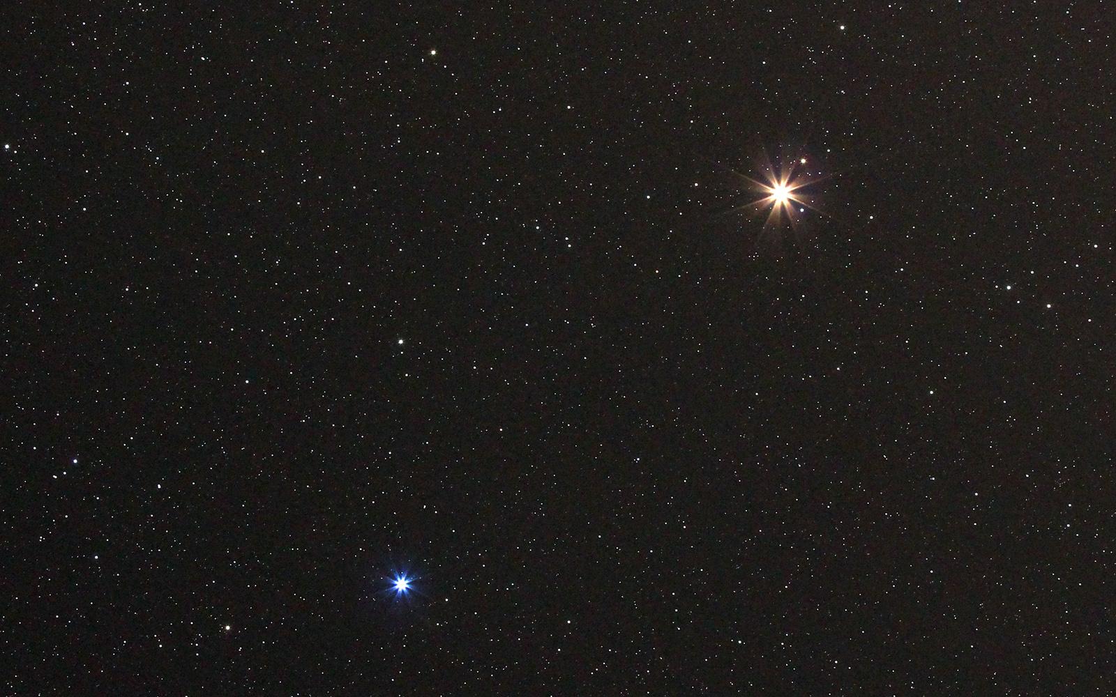 Mars und Spika (am 26. März 2014)