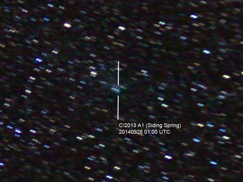 Komet C/2013 A1 Siding Spring am 28.92014. Aufnahmedaten: 3x40s auf ISO 6400, 70/420mm Refraktor, Canon EOS 600D