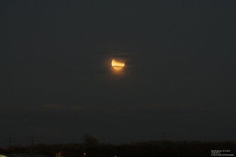 Mondfinsternis 10.12.2011 Mond +Horizont