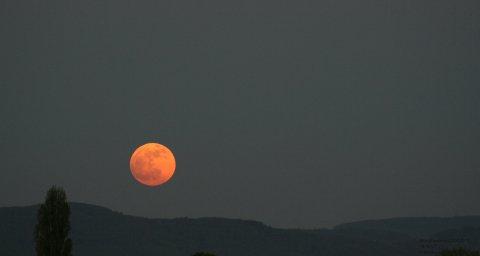 Mondfinsternis 25.4.2013 Mondaufgang Odenwald