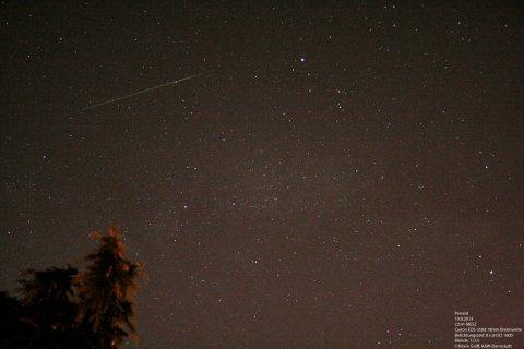 Meteor Perseid Sternschnuppe Sternschnuppenschauer 10.8.2013