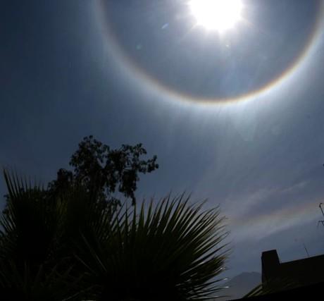Ein 22°-Halo mit Infralateralbogen, 9.10.2007