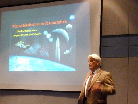 Jesco von Puttkamer am 8.10.2012 beim ESOC in Darmstadt. Bild: Michael Khan