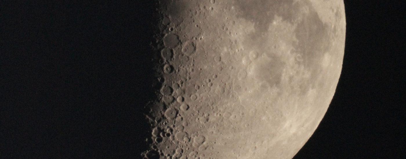 Moon, Dortmund 09.09.2016, 20:11h UTC+2, MC127/1540, Canon EOS1200D, ISO 6400, 1/1000s