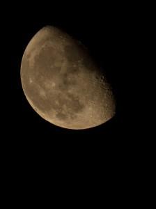 Dortmund, 02. Oktober 2015, 23:27 Uhr, Skywatcher Maksutov Cassegrain 127/1500, Canon EOS 5D II, ISO 3200 und 1/1000s.