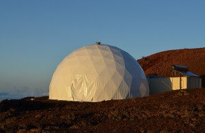 Habitat im Sonnenuntergang, von einem früheren Crewmitglied aufgenommen.