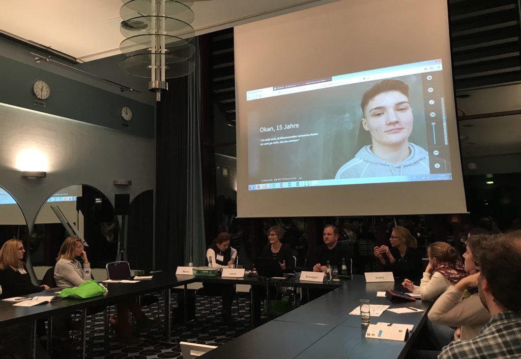 """Vorstellung des Projektes """"DIREKT Wissenschaft><Gesellschaft"""" aus der Masterclass Wissenschaftsjournalismus auf der Wissenswerte 2018."""