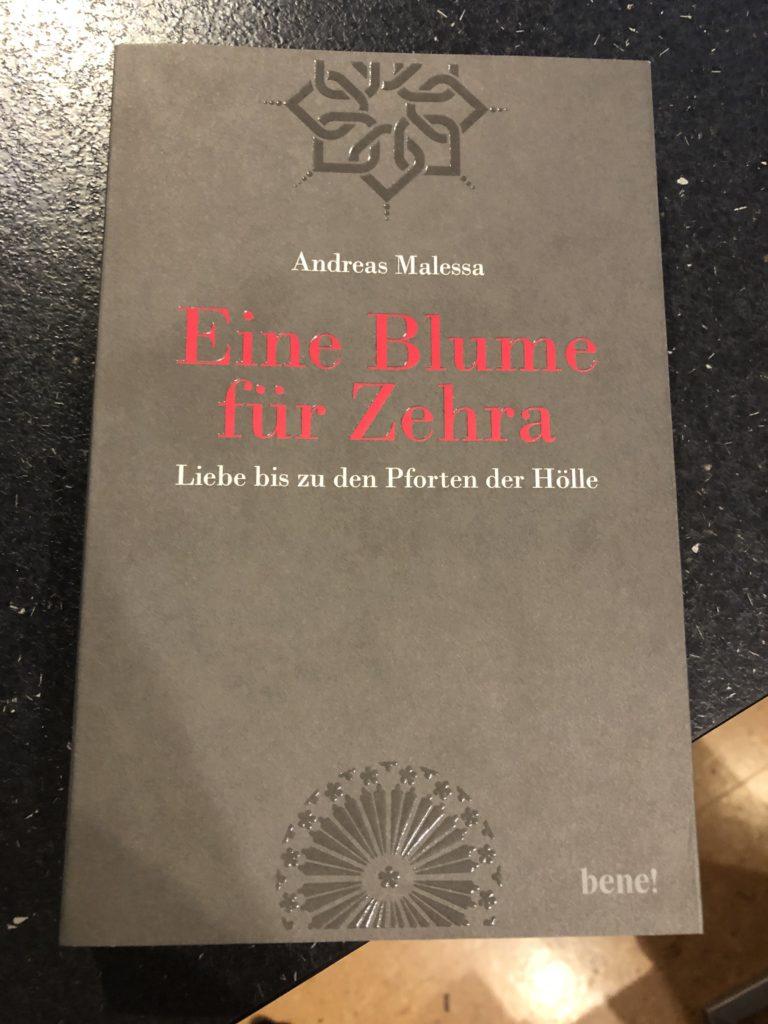 """""""Eine Blume für Zehra"""" von Andrea Malessa, erschienen 2019 bei bene!, Droemer-Knaur"""