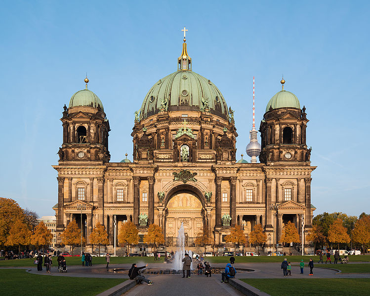 Der Berliner Dom vor Sonnenuntergang, 10/2015