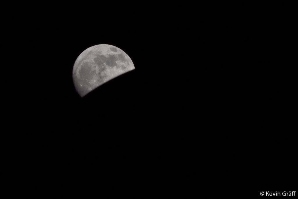 Künstliche Mondfinsternis
